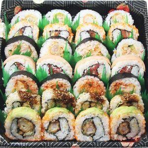 wayo delikatessen bistro karaage sushi platte urimaki festival