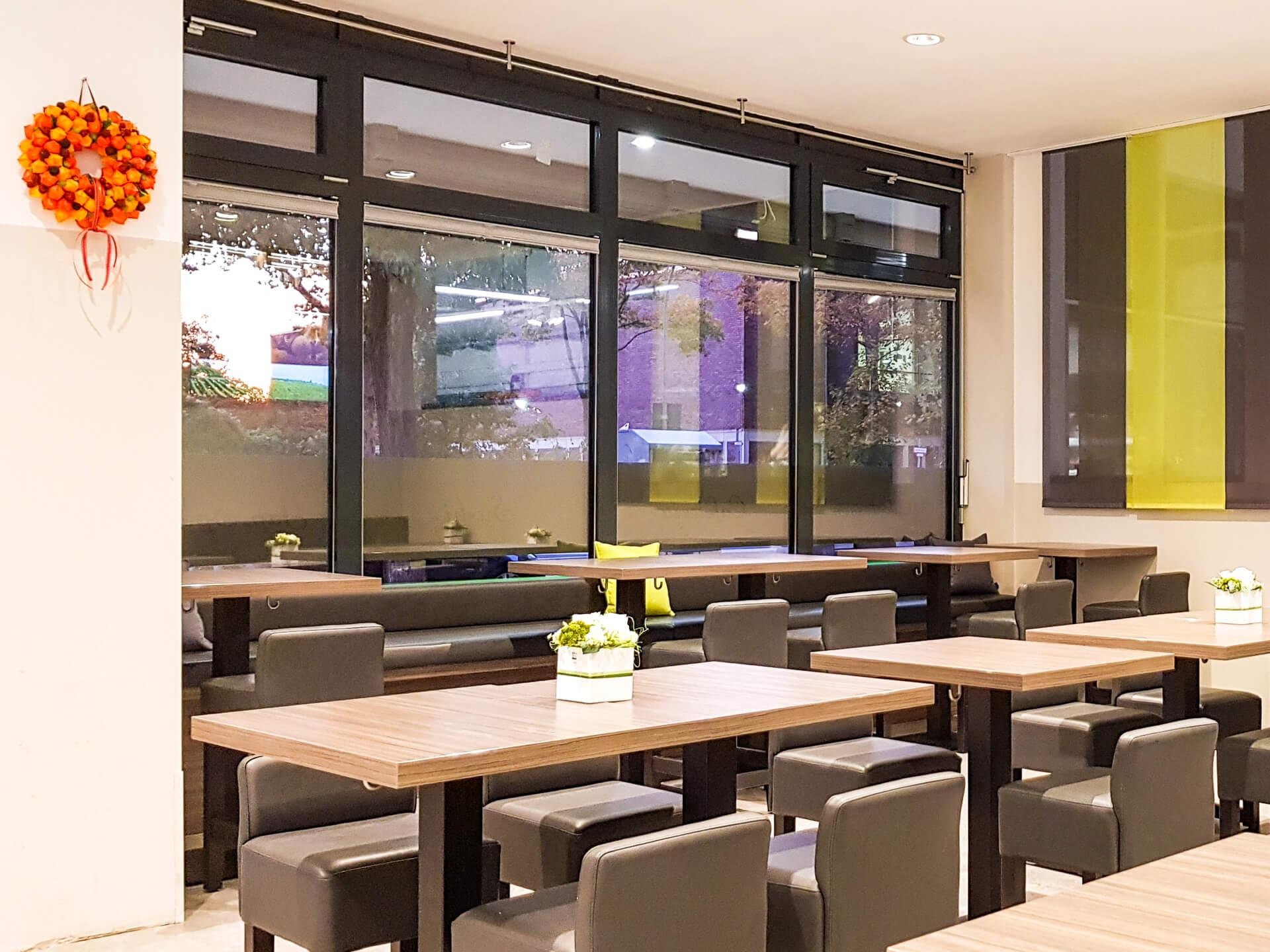 Wayo Delikatessen Sushi Bistro Sitzbereich